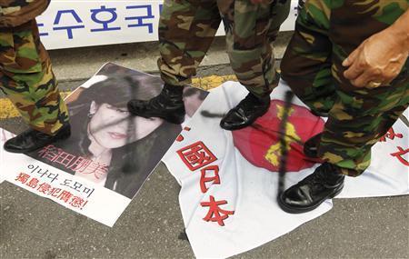 【売春婦像】安倍首相、強硬姿勢で支持率爆上げ 「かつては反韓行為は批判されたものですが…予想外の結果」(自民党関係者) [無断転載禁止]©2ch.net YouTube動画>10本 ->画像>143枚